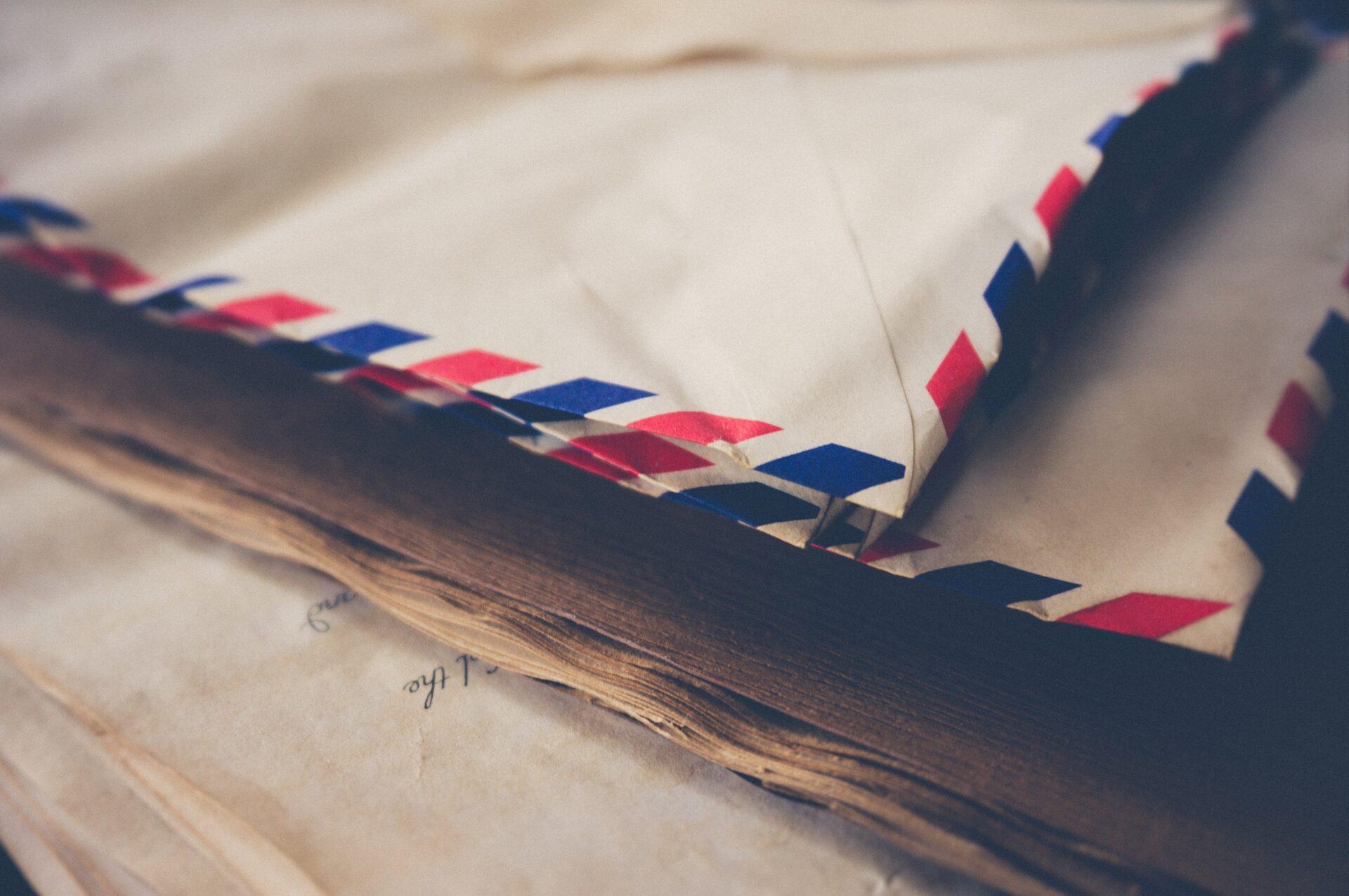 メルカリやラクマで人気のある発送方法!普通郵便の特徴や利用方法とは?